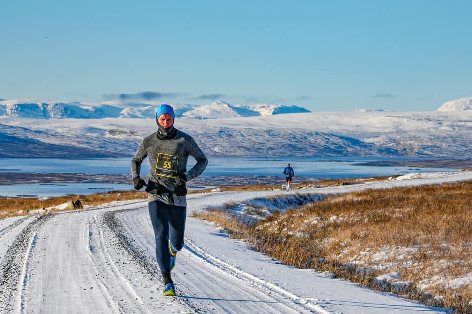 Snødekt løping i Jotunheimen
